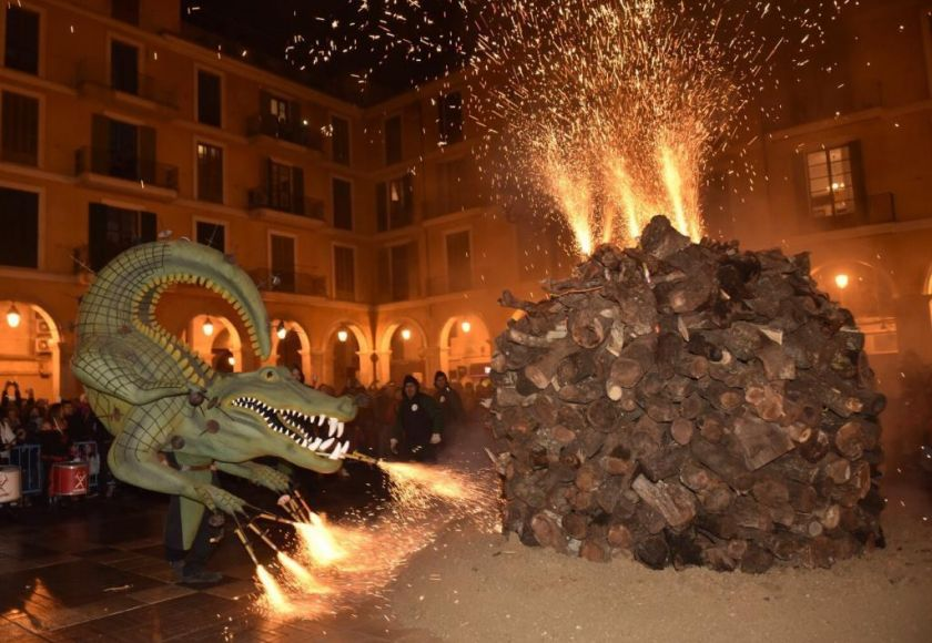 dragon in san sebastian fiesta